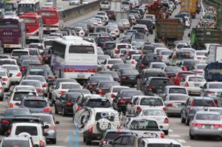 通勤渋滞で被爆しまくりのバ韓国塵どもwwwwww