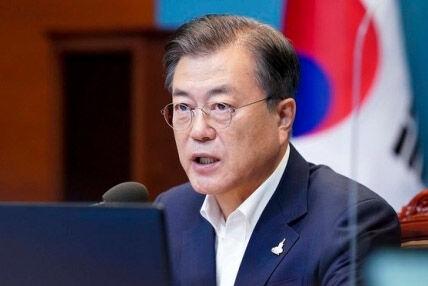 国民を殺されても北朝鮮を讃えるバ韓国の文大統領