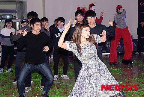 仮装パーティー並みに怪物だらけのバ韓国