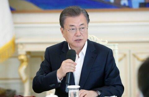 米韓スワップを自画自賛するバ韓国のキチガイ大統領
