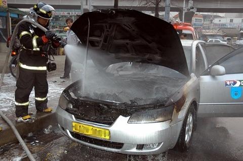 バ韓国製の車はいつ炎上してもおかしくない