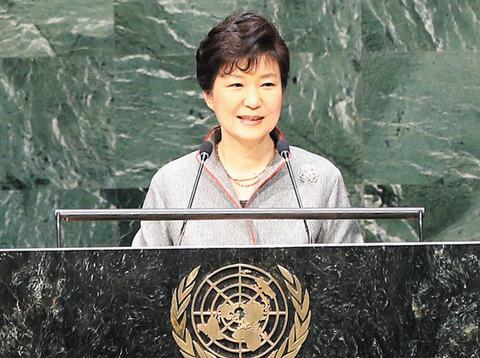 国連で日本を攻撃するパククネ婆