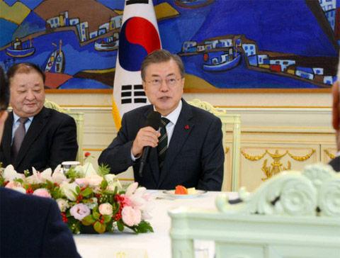 キチガイに拍車がかかったバ韓国の文大統領