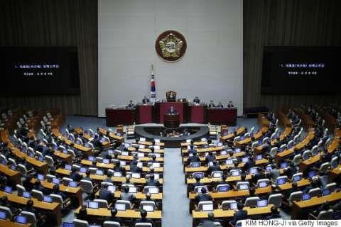 バ韓国国会で弾劾が可決されたパククネ婆