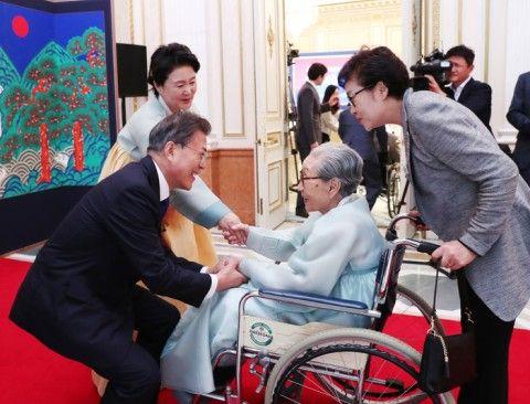 不支持率が急増中のバ韓国・文大統領