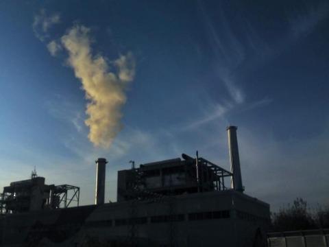 地球環境を汚染しまくるバ韓国の火力発電所