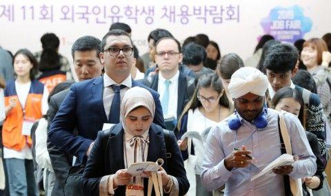 バ韓国での就職を希望する異常者ども