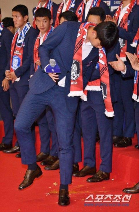 生卵を投げつけられたバ韓国の代表選手