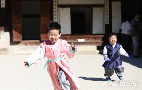 醜いバ韓国の幼獣をさっさとぶっロコすべき