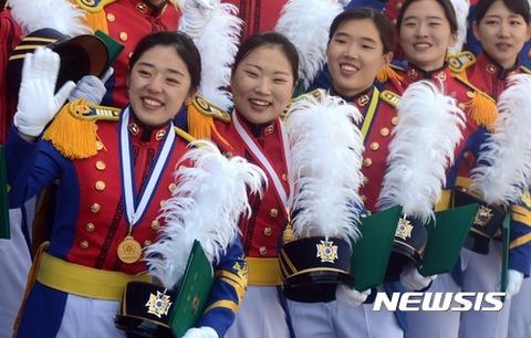 不細工揃いのバ韓国陸軍士官学校のメスども