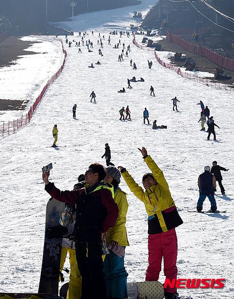 カッチカチで痛そうなスキー場