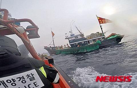 中国漁船とバ韓国海洋警察はもっと殺しあうべき