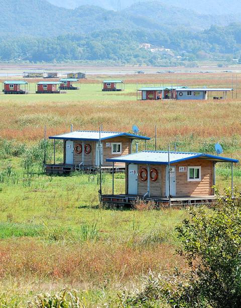 完全に干上がってしまったバ韓国最大の貯水池