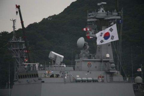 バ韓国の護衛艦が突然爆発!!!!!!!