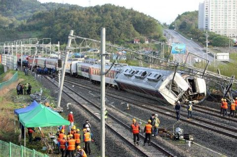 脱線事故はバ韓国で日常茶飯事