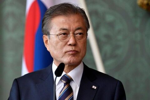 経済を壊滅させたバ韓国の文大統領