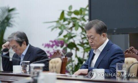 国家を崩壊に導くバ韓国の文大統領