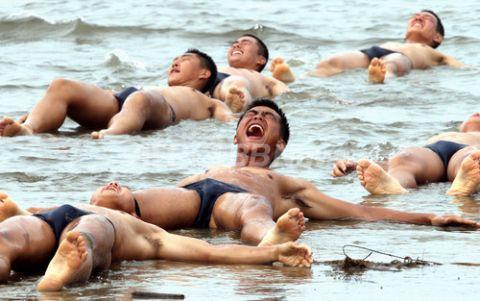 バ韓国軍は味方に撃たれて死ぬのがデフォ
