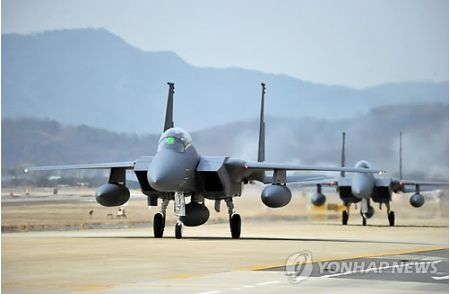 ドラえもん風船のためにスクランブル発進するバ韓国軍
