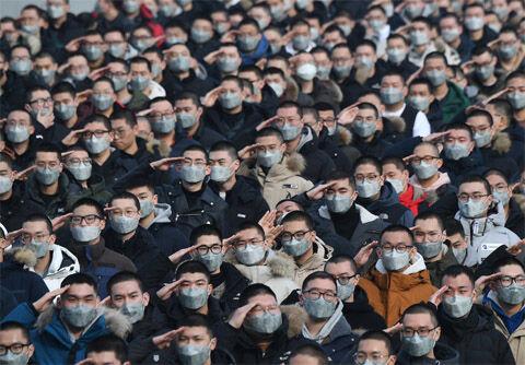バ韓国軍でゲイコロナ集団感染、60匹以上も!!