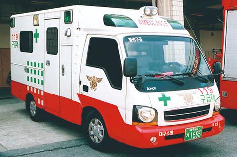 なんともチープなバ韓国の救急車