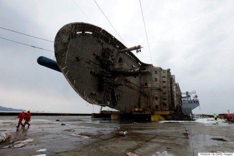 セウォル号を引き揚げるのに3年もかかったバ韓国