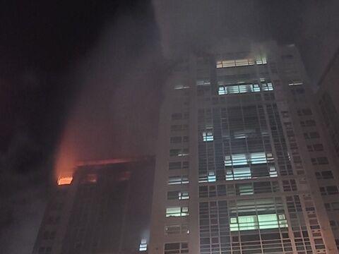 バ韓国のタワマンで大規模火災!