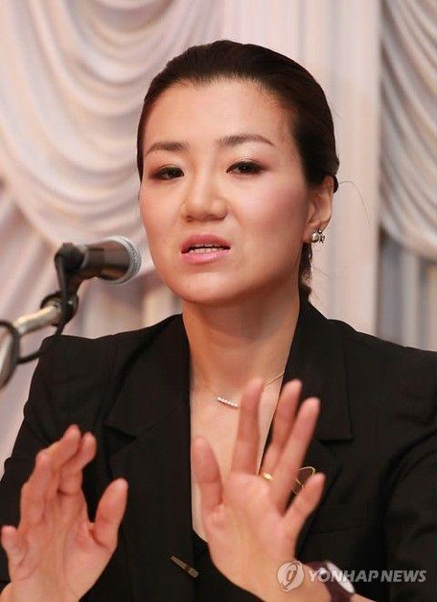 バ韓国塵らしく、実に醜い顔のチョ・ヒョンミン