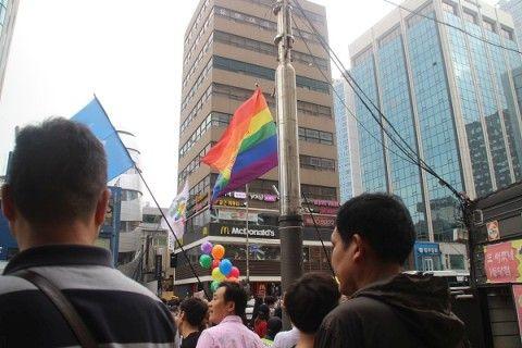 バ韓国の性的少数者に声援を!