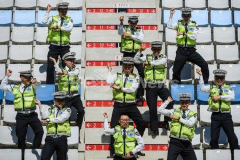 バ韓国の警察官はキチガイだらけ