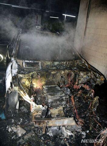 バ韓国の電気自動車は炎上する目的で製造されています