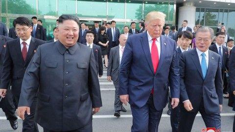 米朝の邪魔をするバ韓国の文大統領