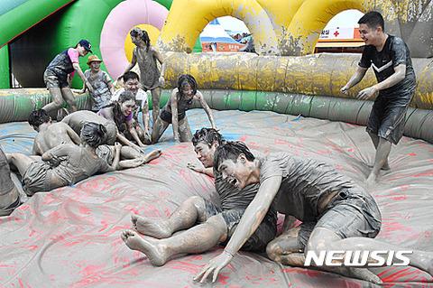 肥溜に落ちても喜ぶのがバ韓国塵です