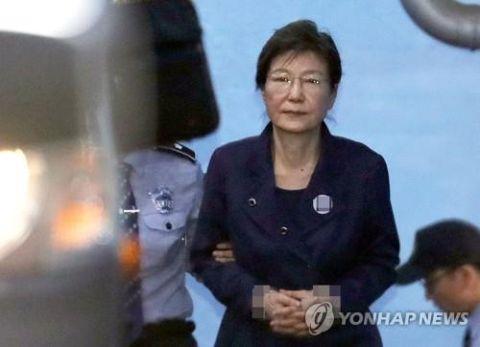 獄死の可能性が高いバ韓国前大統領のパククネ婆
