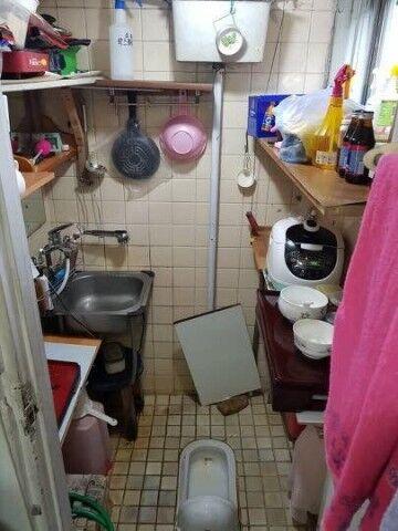 バ韓国では台所と便器が同じ空間に