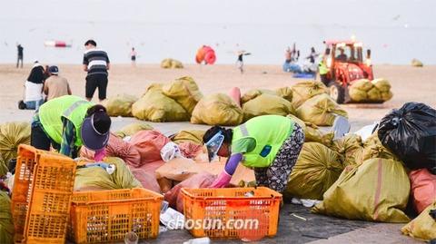 バ韓国の海水浴場はゴミまみれ