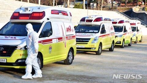 バ韓国中の救急車が大邱市に集結