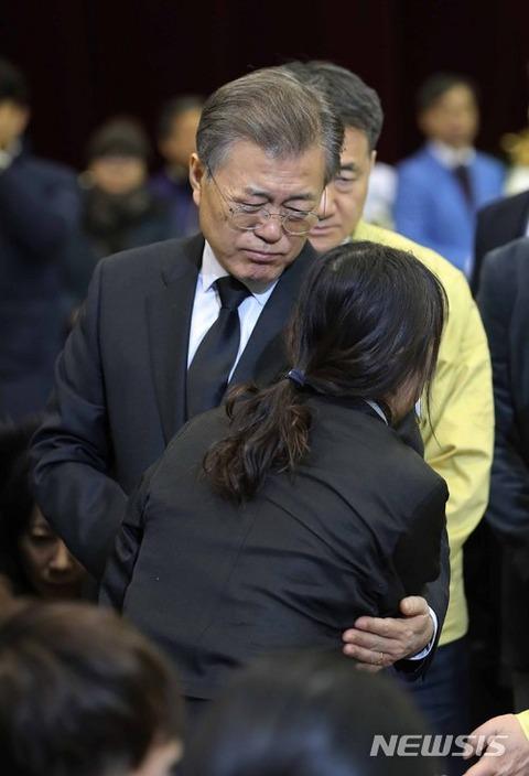 支持率ダダ下がりのバ韓国・文在寅(ムン・ジェイン)大統領