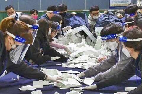 総選挙の大勝でバ韓国与党が暴走中www