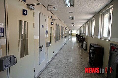バ韓国の刑務所ではカラオケやゲームが楽しめる