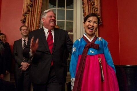 ラリー・ホーガン州知事の嫁はバ韓国塵