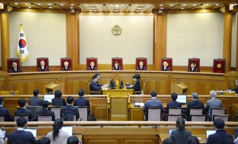 バ韓国の司法機関は信頼度最低