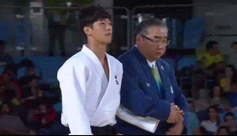 盲目のフリをしてメダルを荒稼ぎするバ韓国塵ども