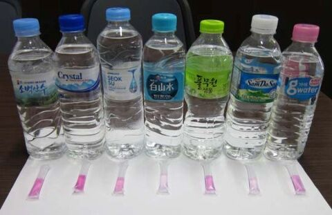 バ韓国のミネラルウォーターは工場の廃水レベル