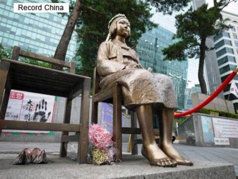 売春婦像設置が合法化されたバ韓国