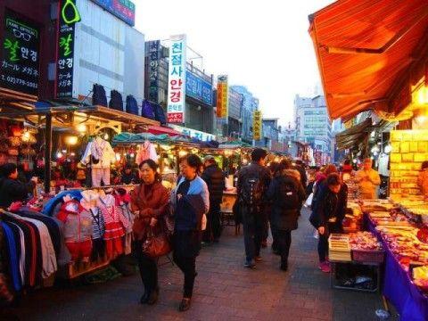 バ韓国に行く観光客は100パーきちがい!