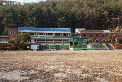 廃校が増え続けているバ韓国。