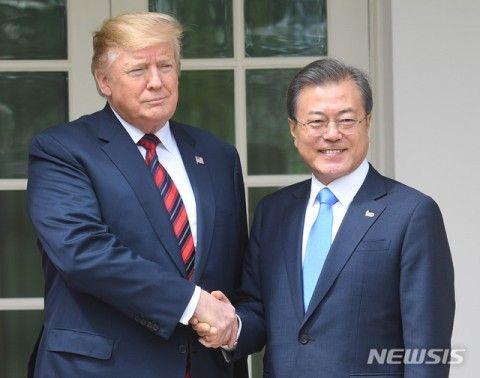 米韓首脳会談、1対1の対話はほぼゼロ分