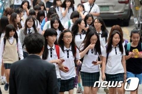 女子中学生も売春しているのがバ韓国