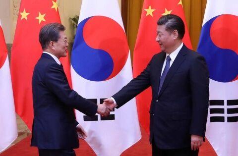 バ韓国・文大統領が国家を崩壊させるwww